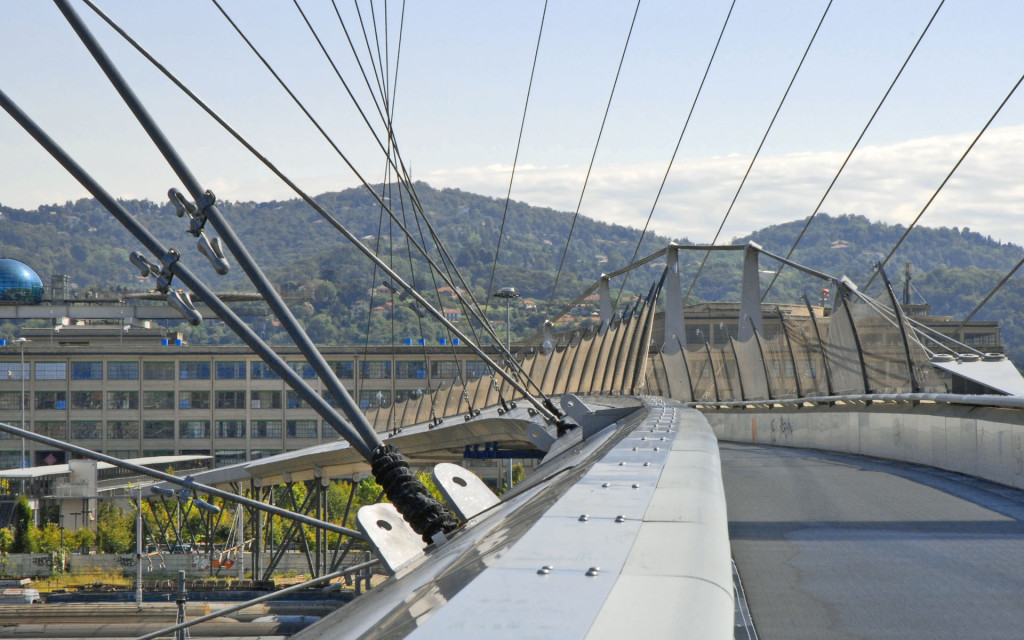 Torino la passerella del Villaggio Olimpico