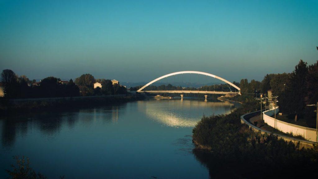 Il ponte sul Tanaro progettato dall'architetto statunitense Richard Meier