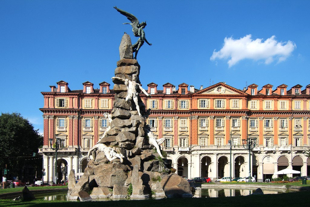 L'angelo di Piazza Statuto Torino