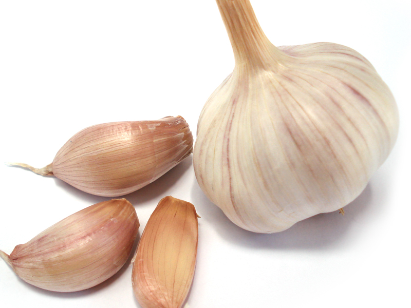 Il segreto della bagna cauda consiste nel non far bruciare l'aglio durante la cottura
