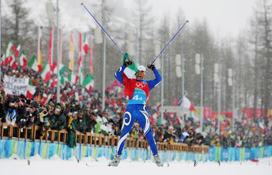 L'arrivo trionfale di Cristian Zorzi, oro nella 4x10 a Torino 2006