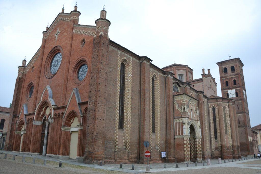 La Cattedrale di Santa Maria Assunta e San Gottardo, una delle più grandi chiese del Piemonte