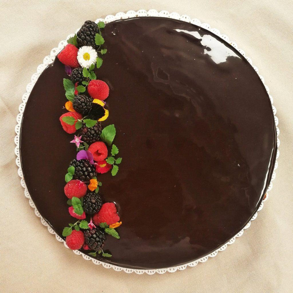 Scopri la ricetta del Torta Gianduia per il tuo dolce natalizio
