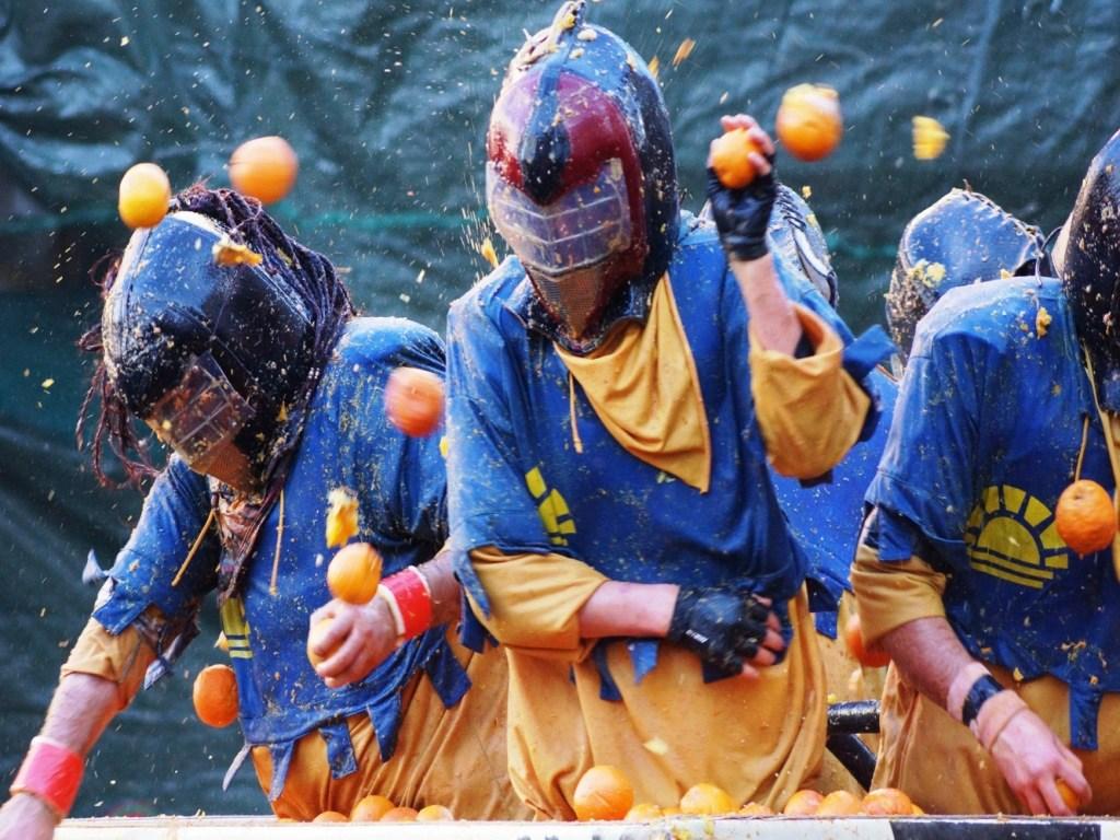 Battaglia delle Arancie - Carnevale di Ivrea - booking piemonte