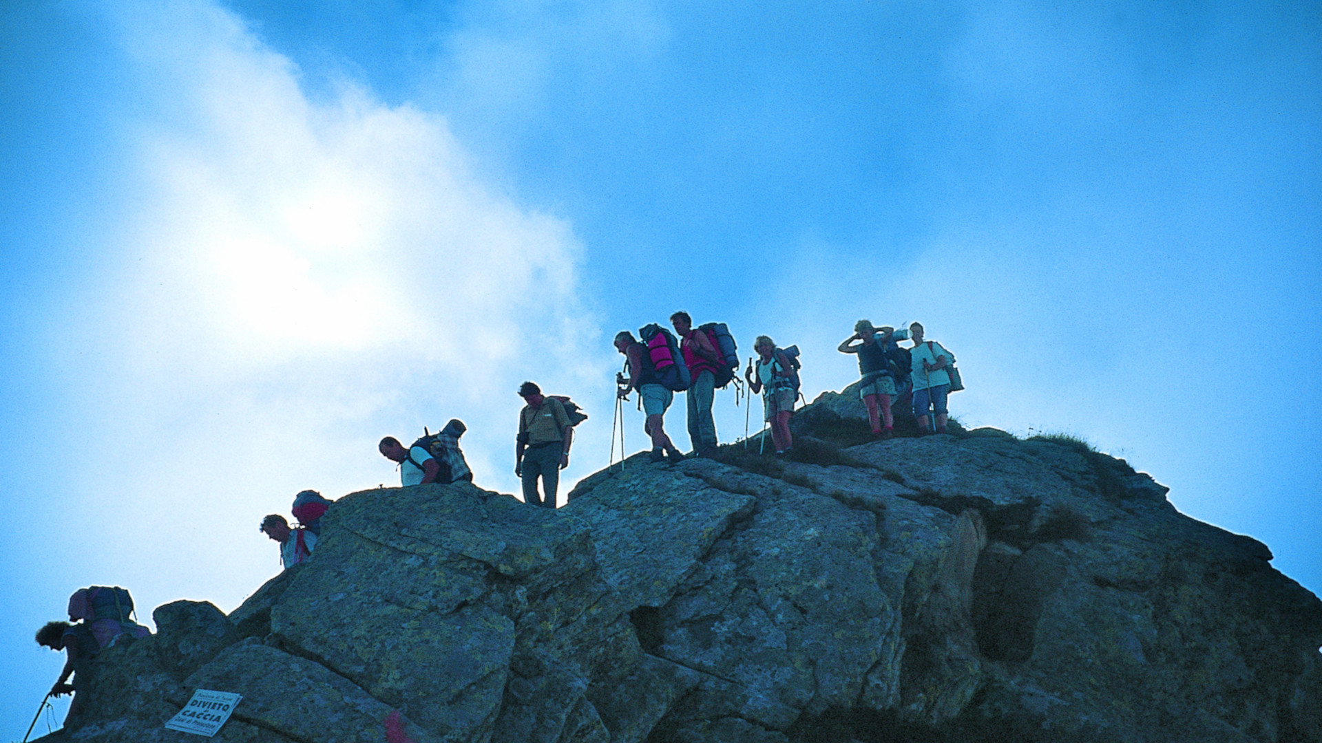 Alta Via Canavesana un trekking di 12 tappe in sentieri di